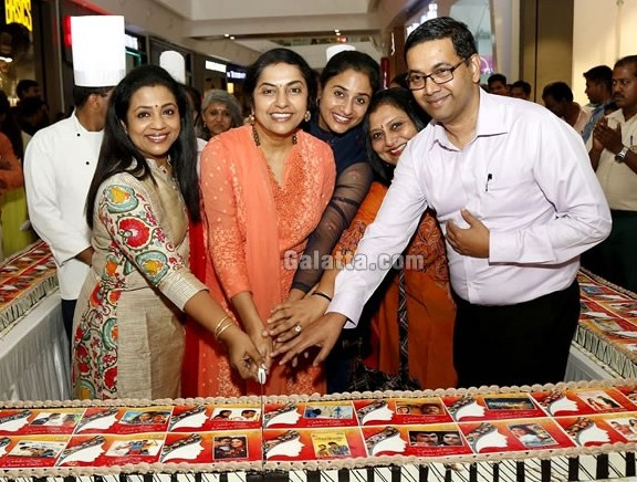 India's longest Photo Cake in Chennai