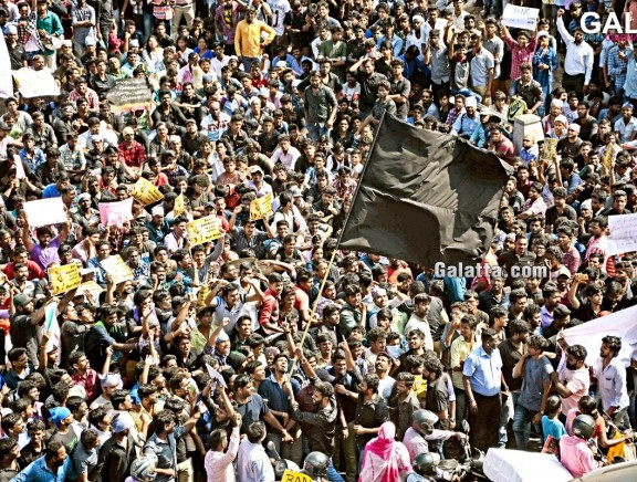 Jallikattu peace protest at Marina Beach