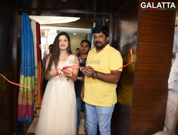 Lipsa Mishra Inaugurates Silk India Expo at Bhubaneswar