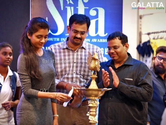 Max presents South India fashion awards launch press meet