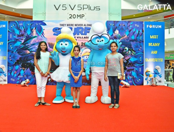Meet and Greet with The Smurfs at Forum Vijaya Mall