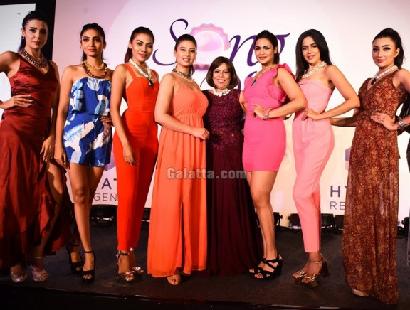 Minnie Menon's 'Song of the Pearl' Fashion Show