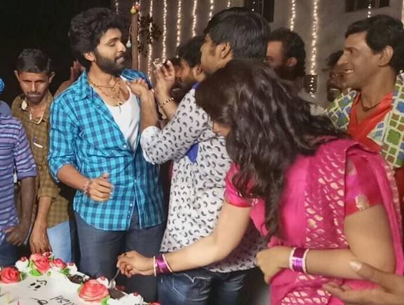 Pakka team celebrates Sathish's birthday