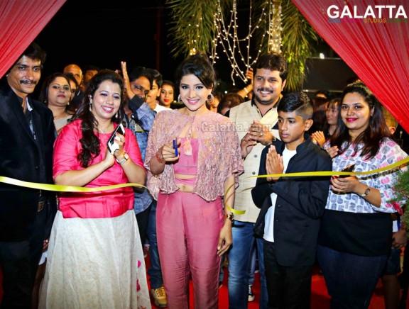 Sakshi Agarwal inaugurates Ace Studioz Salon & Spa at Akkarai ECR