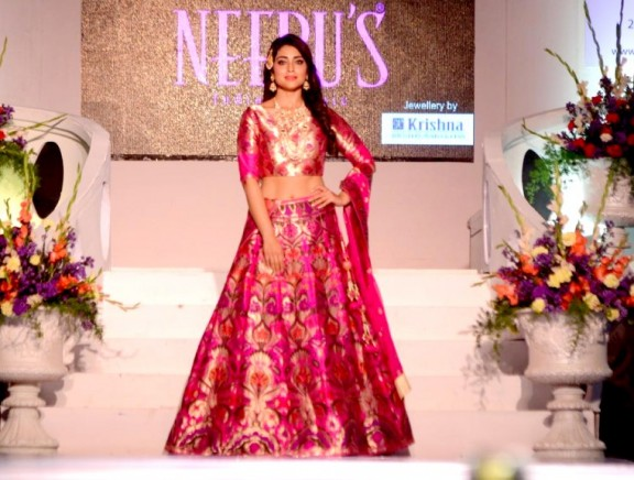 Shriya Saran walks the ramp for Neeru's India Bridal Collection at The Wedding Vows Show