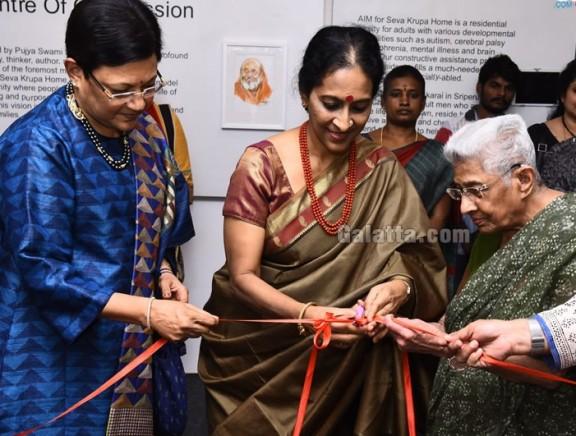 Singer Bombay Jayashri inaugurates 'Threads of Compassion' Art Exhibition