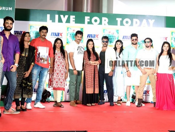 TV Stars walk the ramp for Max 'Summer 2016 Collection'