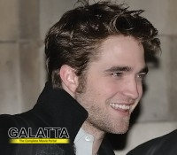 Robert Pattinson to sport a wig!