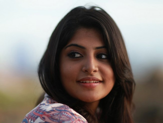 Manjima Mohan shoots a song in Oman