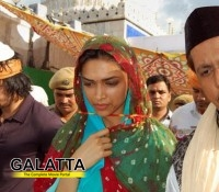 Deepika at the Dargah of Saint Khwaja Moinuddin Chishti!