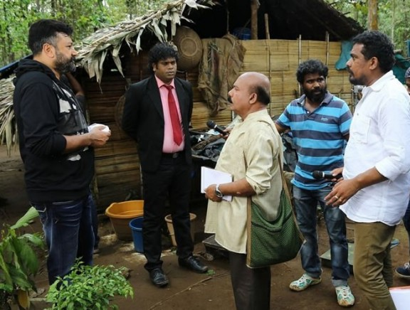 Aadupuliyattam On Location