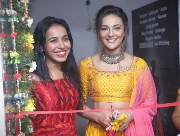 Aakruti Shoeroom Launch