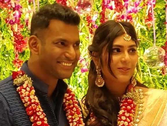 Actor Vishal and Anisha Alla Engagement