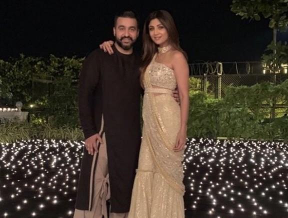 Bollywood Stars at Shahrukh Khan Diwali Bash