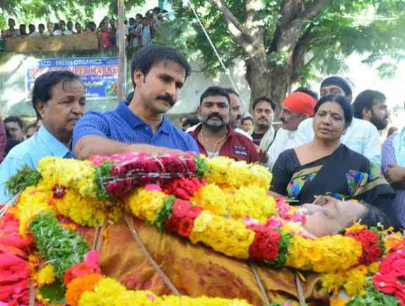 Celebrities Pay Homage To Geethanjali