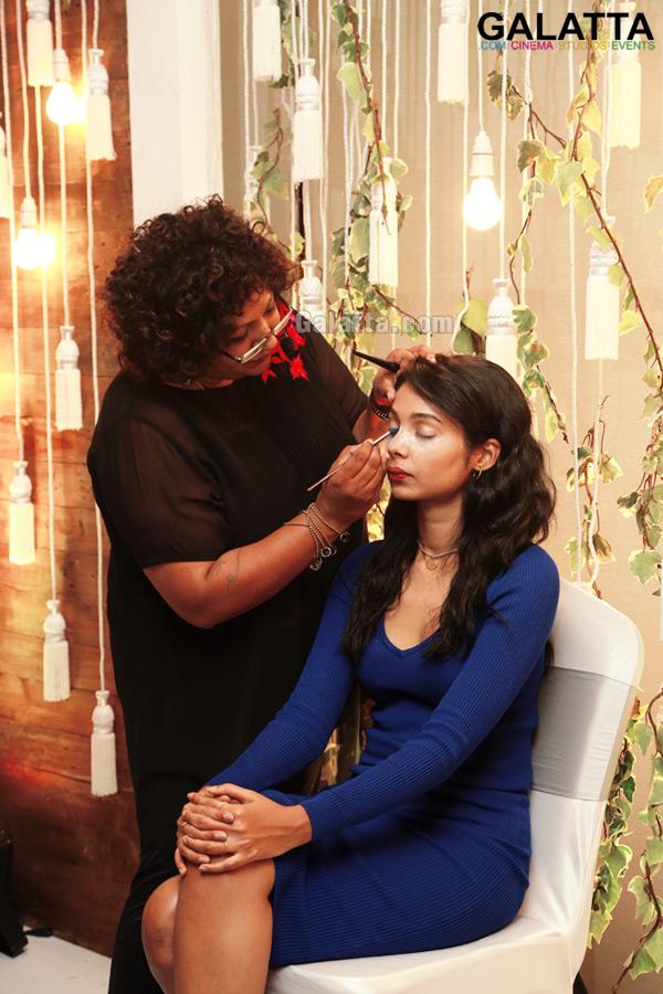 Celebrity Make Up Artist Ambika Pillai Images Photo