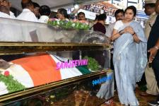 Celebs Pay Last Respects to Kannada Actor Ambareesh - Kannada Tamil Event Photos