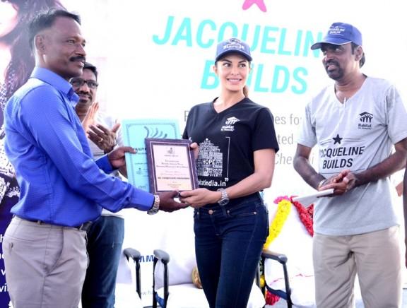 Jacqueline Fernandez appreciated for her flood relief efforts