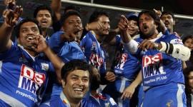 Karnataka Bulldozers Vs Bengal Tigers Match - CCL 4