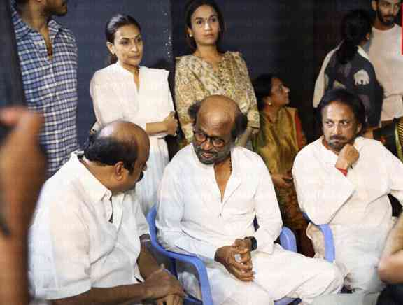 Kollywood Celebrities Pay Homage To Y Gee Mahendrans Mother