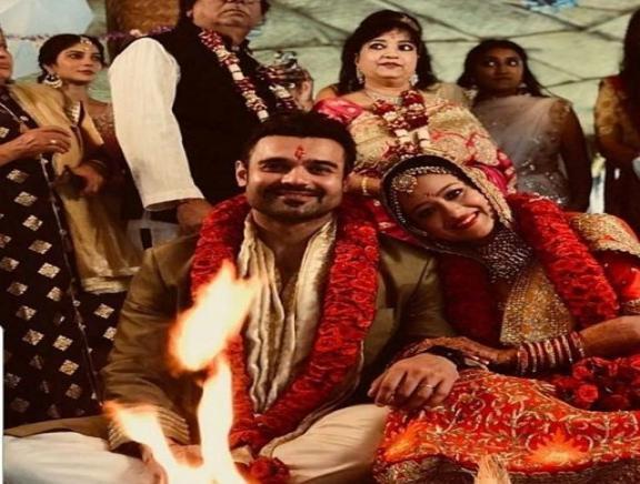 Mahaakshay Chakraborty weds Madalsa Sharma