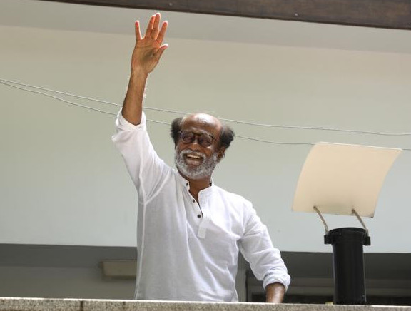RajiniKanth Meet With Fans