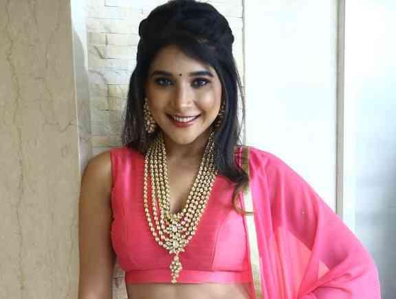 Sakshi Agarwal Dance Performance Navratri Utsav 2019