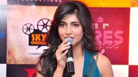 Shruti Haasan launches Gabbar is Back 3D Game