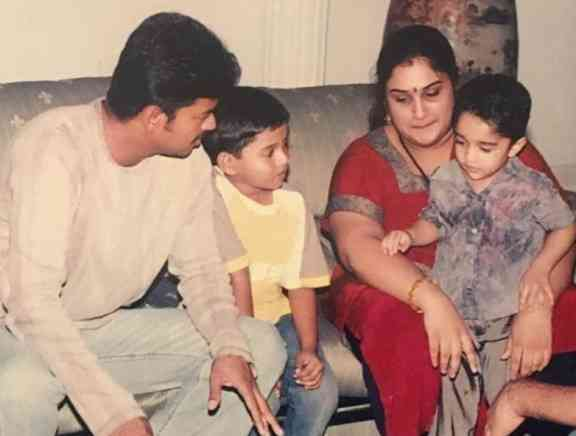 Thalapathy Vijays Throwback Pictures with Vanitha Vijayakumar - Tamil Tamil Event Photos