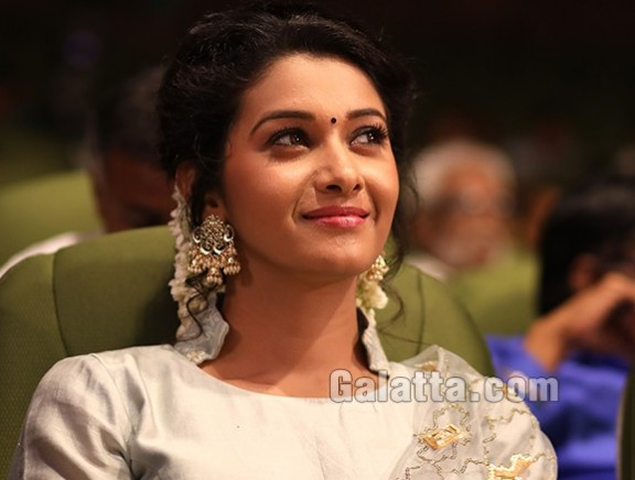 V4 MGR Sivaji Academy Awards  - Candid pictures