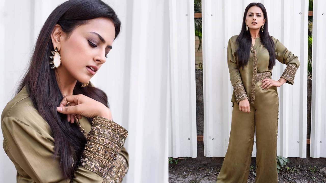 What is that outfit, Shraddha Srinath?