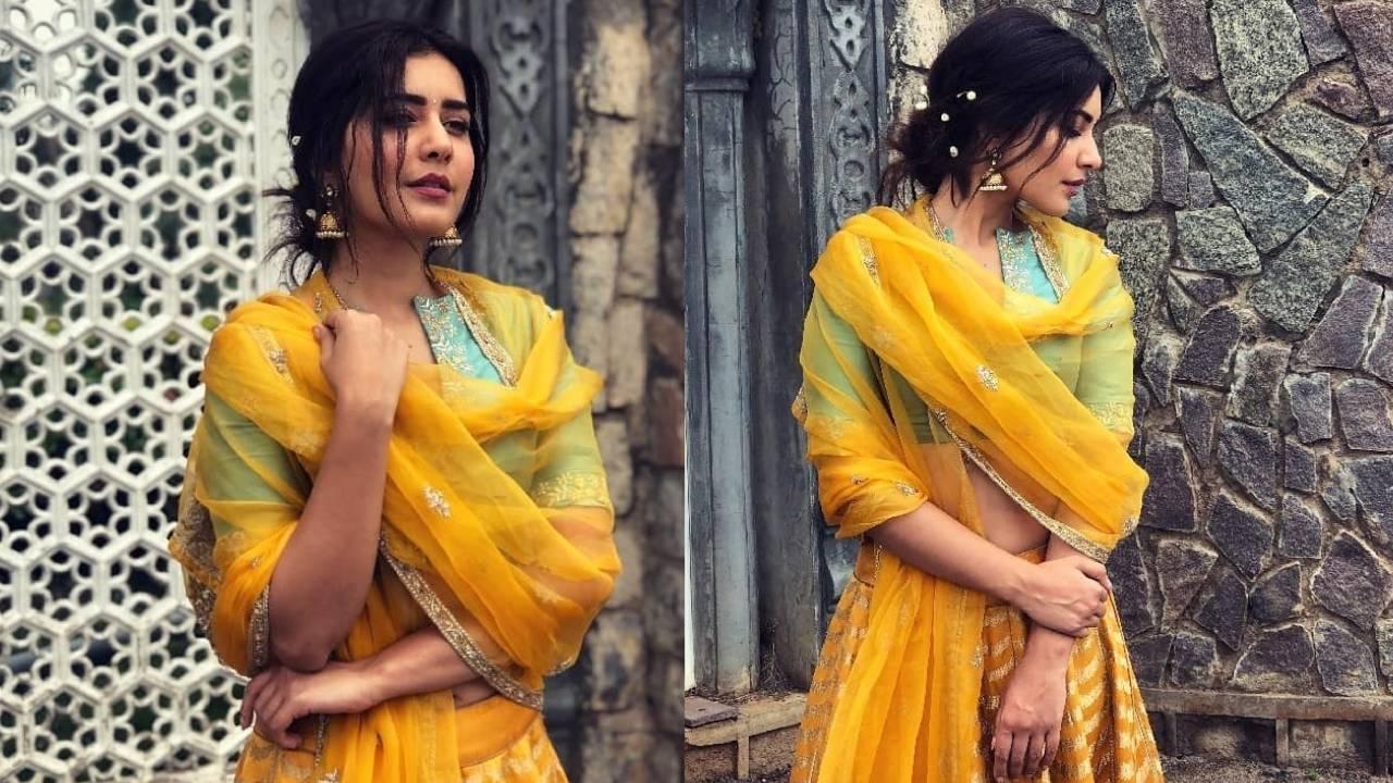 Raashi Khanna advocating some quality Kadwa weave