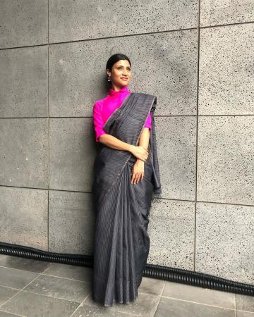 Konkona Sen Sharma was spotted twice in sarees at the Busan international film festival and the second one is charming too!  - Fashion Models