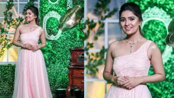 Vani Bhojan in peach gown