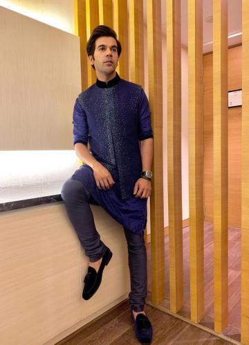 Stylist Akshay Tyagi found the Stri actor some regular black loafers from Dune