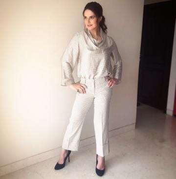 We love the co-ords outfit which needs no embellishments or strong accessories - Fashion Models
