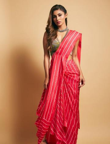 Mouni Roy was spotted recently in this cool pink saree from Nupur Kanoi - Fashion Models