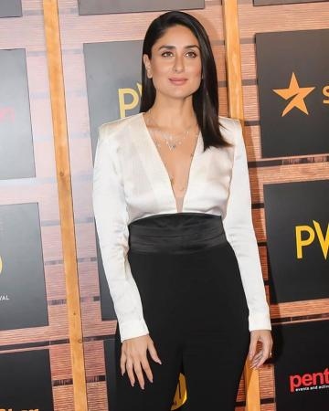 We've been seeing the sleek open hairstyle on Kareena for a while and it is great - Fashion Models