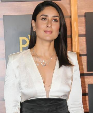 The makeup on Bebo is on point as usual: a hint of blush and slight accentuation of those stellar eyes polishes the look off well - Fashion Models