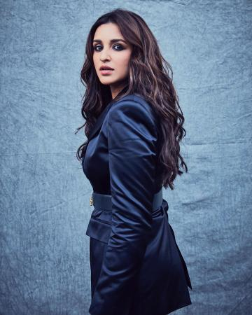 Parineeti Chopra was recently spotted in this dark pantsuit from H&M that we approve of - Fashion Models