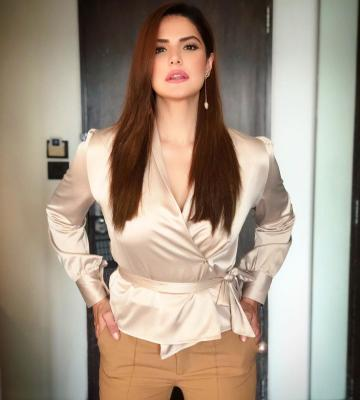 Zareen Khan was recently spotted in this ready-for-workday ensemble that we approve of - Fashion Models
