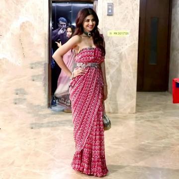 Stylist Sanjana Batra found Shilpa an ethnic bag is from Lovetobag - Fashion Models