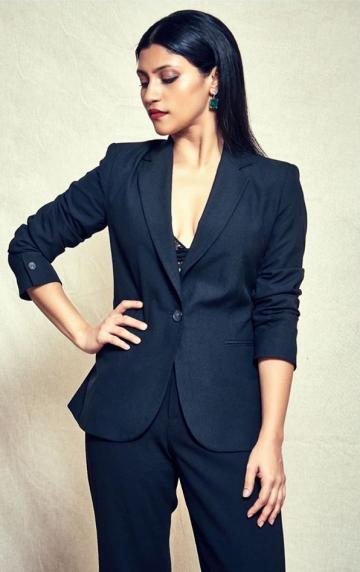 Konkona wears her hair straight down, almost always! - Fashion Models