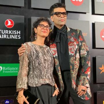 No award night can be called a glamourous affair if Karan Johar did not attend it all decked up - Fashion Models