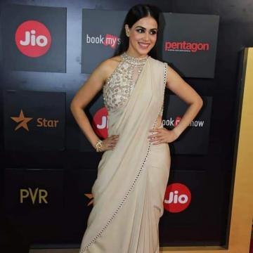 Genelia Deshmukh arrived at the Mumbai Film Festival in this subtle saree from Monika Nidhi that radiates elegance - Fashion Models