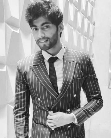 We know Tharshan does his own hair styling because this is exactly how the man looked while he was inside the Bigg Boss house - Fashion Models