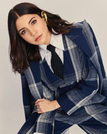 Anushka Sharma was spotted at the Vogue women of the year awards in this beautiful chequered suit from Gucci - Fashion Models