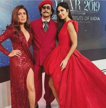 Ranveer Singh arrived at the Vogue women of the year awards in this solid red suit from Gucci - Fashion Models