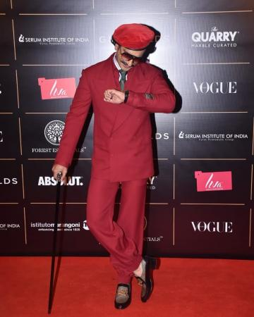 Look at Ranveer showing off his watch from Franck Muller! - Fashion Models