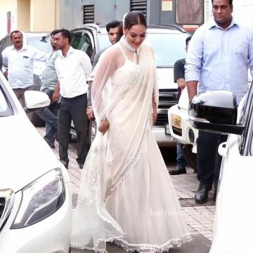 Sonakshi Sinha arrived for the trailer launch of Dabangg 3 looking glitzy in this white saree from Mala and Kinnary - Fashion Models